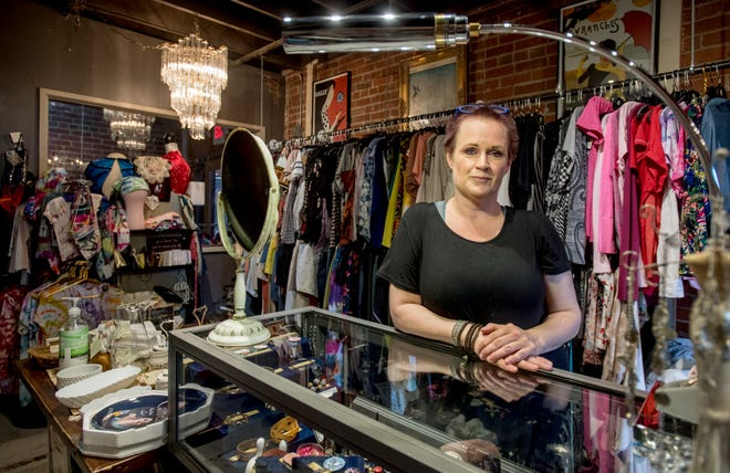 Jessi Linn Litterst recently reopened her fashion consignment shop Moxie's Resale Boutique at a new location in the Sunbeam Building, 923 N. Sheridan Rd., in Peoria. Litterst wanted to downsize after surviving the pandemic lockdown and moved from a larger store at 3817 N. Sheridan Rd. to a smaller shop with potential for more foot traffic and an expanded customer base.