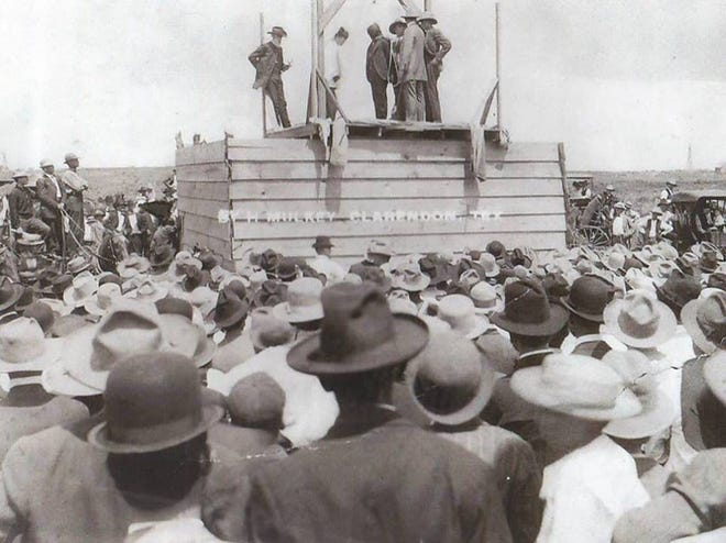 The hanging of G.R. Miller, the last hanging in the Panhandle South Plains region, 1910.