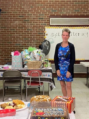 Lynnhurst Elementary School kindergarten teacher Francene Lindquist
