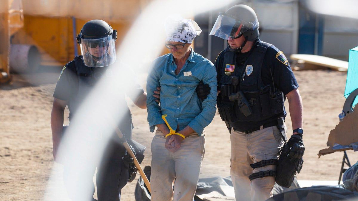 Protesters maintain blockade at Minnesota oil pipeline site 3