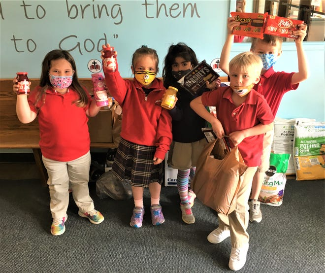 Bishop Hoffman Catholic School children particpated in a project to aid veterans at the Ohio Veterans Home.