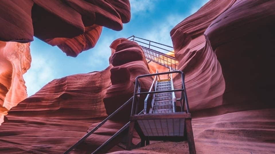 AZ Memo: Navajo tour companies look for answers about reopening; Chicken wings in the West Valley; Best bars to watch the Suns