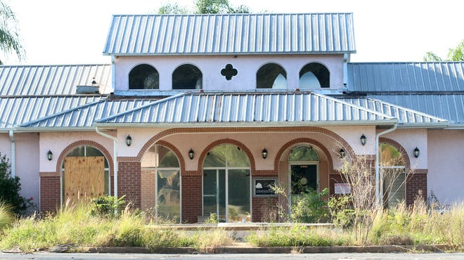 The building that housed a restaurant at the abandoned Sandhill Golf Course, formerly Southridge Golf Course, also formerly a landfill in DeLand. A developer wants to bring a residential development to the site.