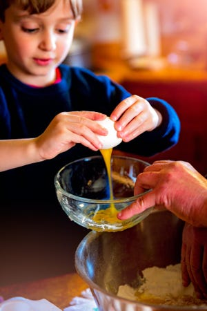 Reading and following recipes can strengthen children's reading and vocabulary skills.