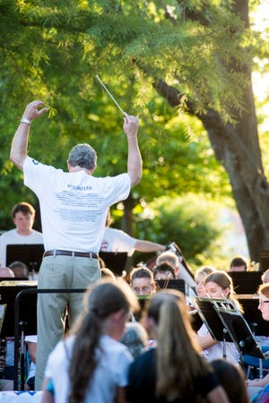 Under the direction of Brian Lamb, director of the University of Central Oklahoma School of Music, the university's Summer Band will perform its annual free Concert in the Park at 7:30 p.m.   June 24.