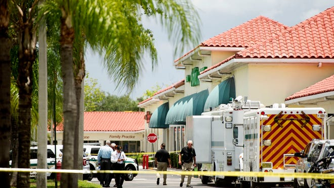 Gunman kills woman, child after Florida market