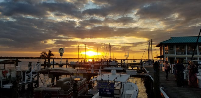 Riverhouse Waterfront Restaurant, at Safe Harbor Regatta Pointe in Palmetto, is a great place for watching the sunset on the Manatee River. Especially while enjoying a free beer! Which is what the restaurant is offering dads for Father's Day.