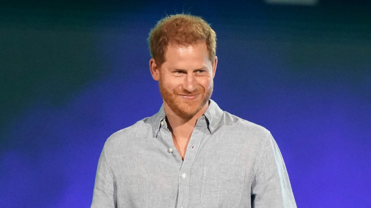 Prince Harry spreads news about Invictus Games in Germany 1