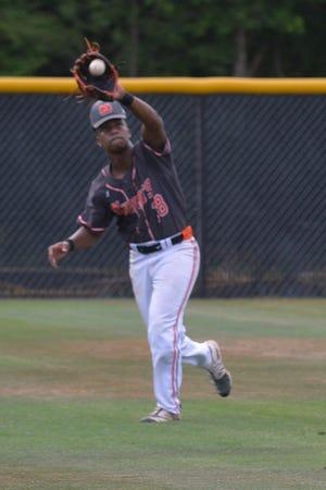 North Davidson left fielder Jaylin Walser makes a catch. [Mike Duprez/The Dispatch]