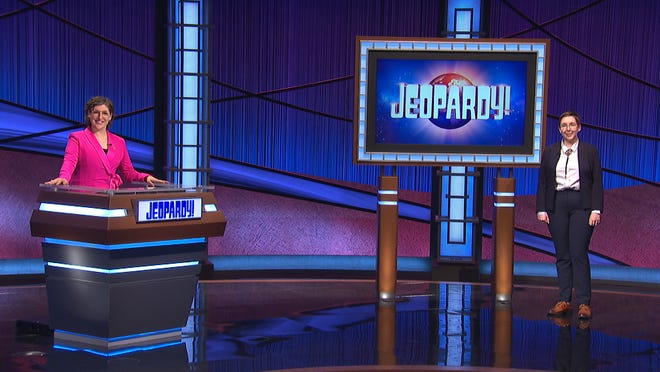 Katie Sekelsky, right, a graphic designer from Kent, will compete on the Jeopardy quiz show tonight with guest host Mayim Bialik.