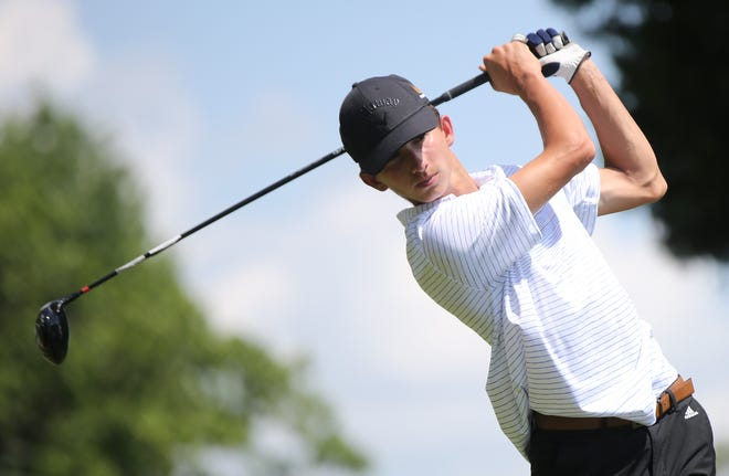 After a broken thumb forced Gavin Wilhelm to give up baseball, he's found his niche on the golf course. Following a strong debut high school season in the spring, Wilhelm won his first TGA City Match Play match, rallying to beat Taylor Dunham 1-up on Thursday at Cypress Ridge Golf Course.