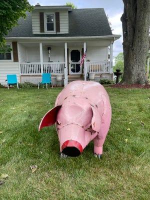 The pig ornament.