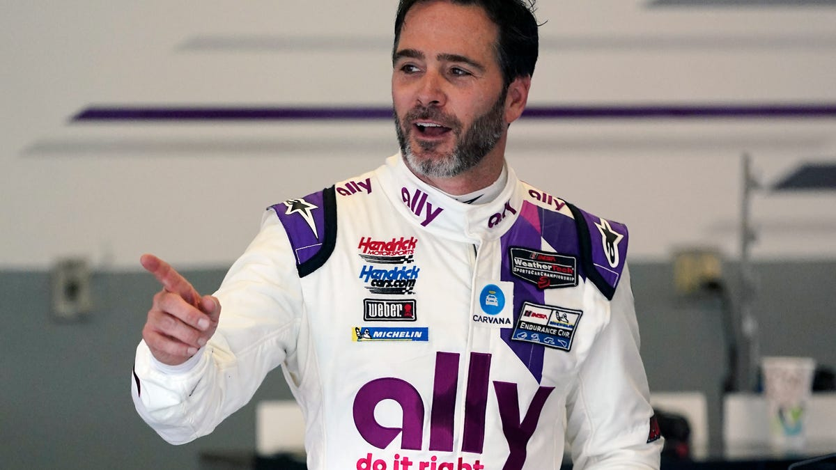 From NASCAR great to IndyCar rookie, Jimmie Johnson rides 'vertical' learning curve into Detroit 1