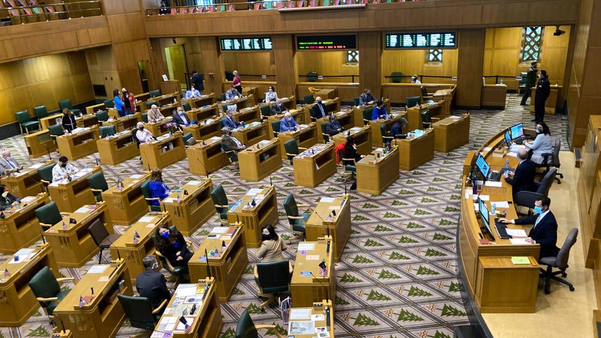 Oregon GOP legislator ousted over state Capitol breach 3