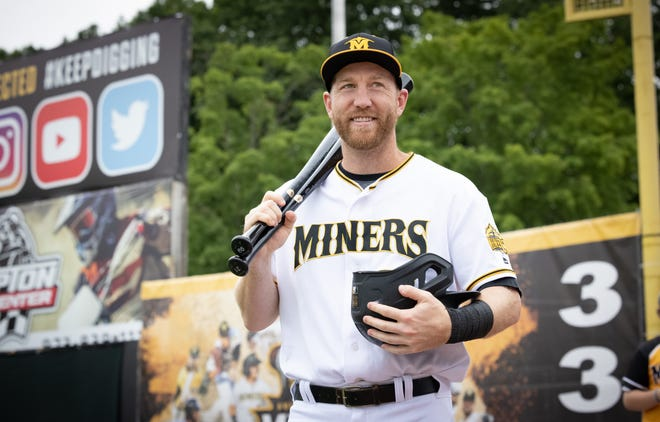 Todd Frazier walks onto the field for his anticipated debut with the Sussex County Miners on June 11, 2021, at Skylands Stadium in Frankford.