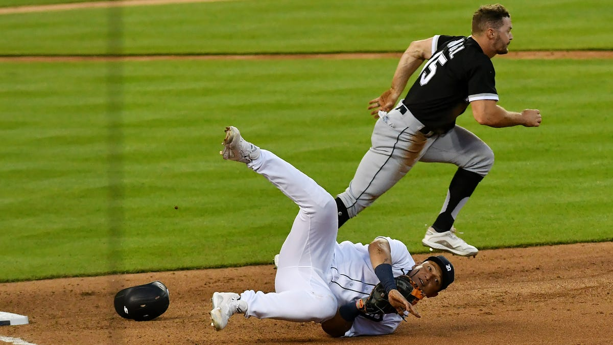 White Sox rain on Daz Cameron's parade, beat Tigers 5-4 in extra innings 2