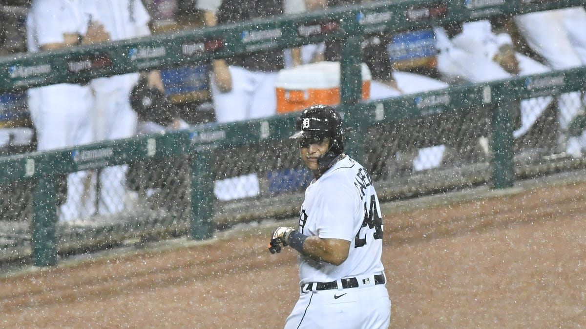 Controversial extra-inning rule OK by Tigers' AJ Hinch, 'unless you are just anti-evolving' 1