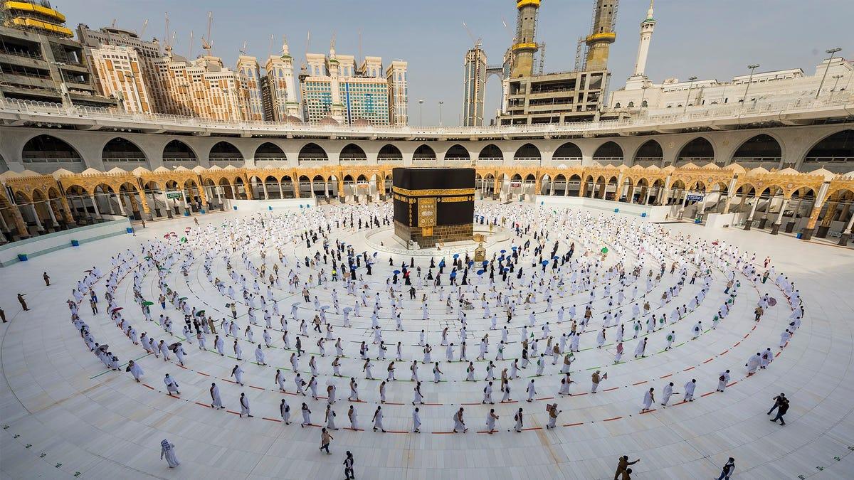 Saudi Arabia says hajj pilgrimage to be limited to 60,000 in kingdom 3