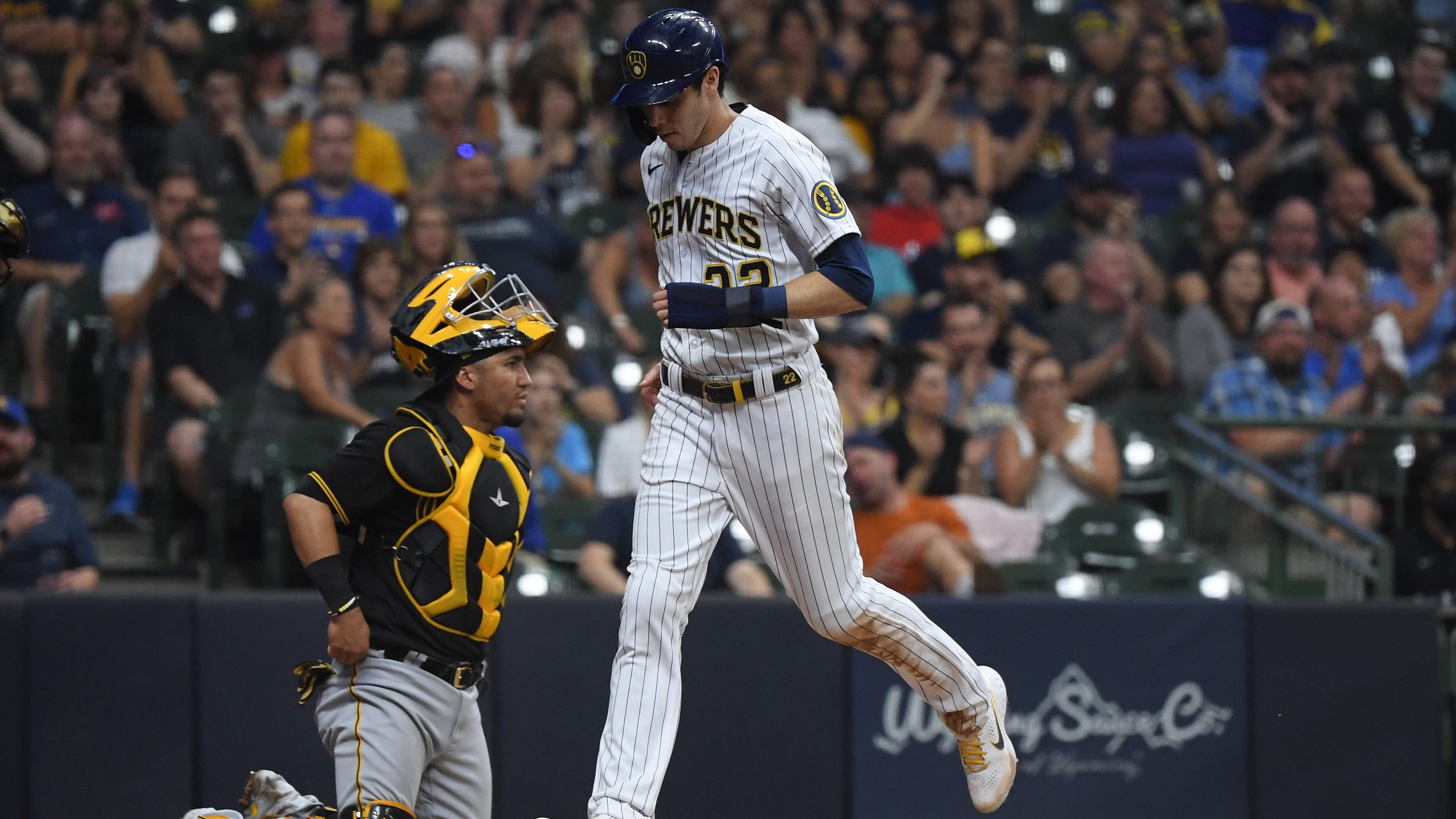 Brewers 7, Pirates 4: Milwaukee ties franchise record by drawing six free passes in seventh