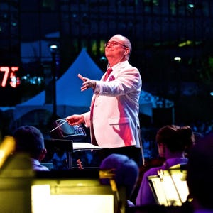 Stuart Chafetz conducts the Columbus Symphony during a 2018 Picnic with the Pops concert.