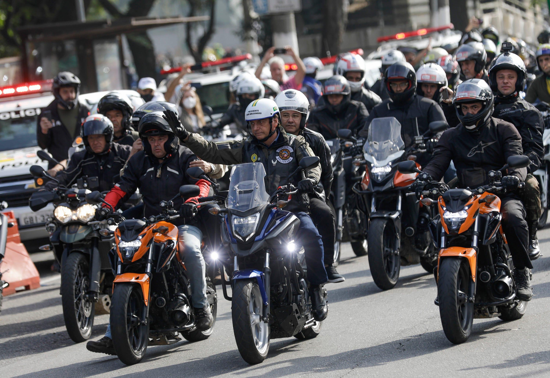 Bolsonaro fined for flouting mask at mass motorcycle rally 2