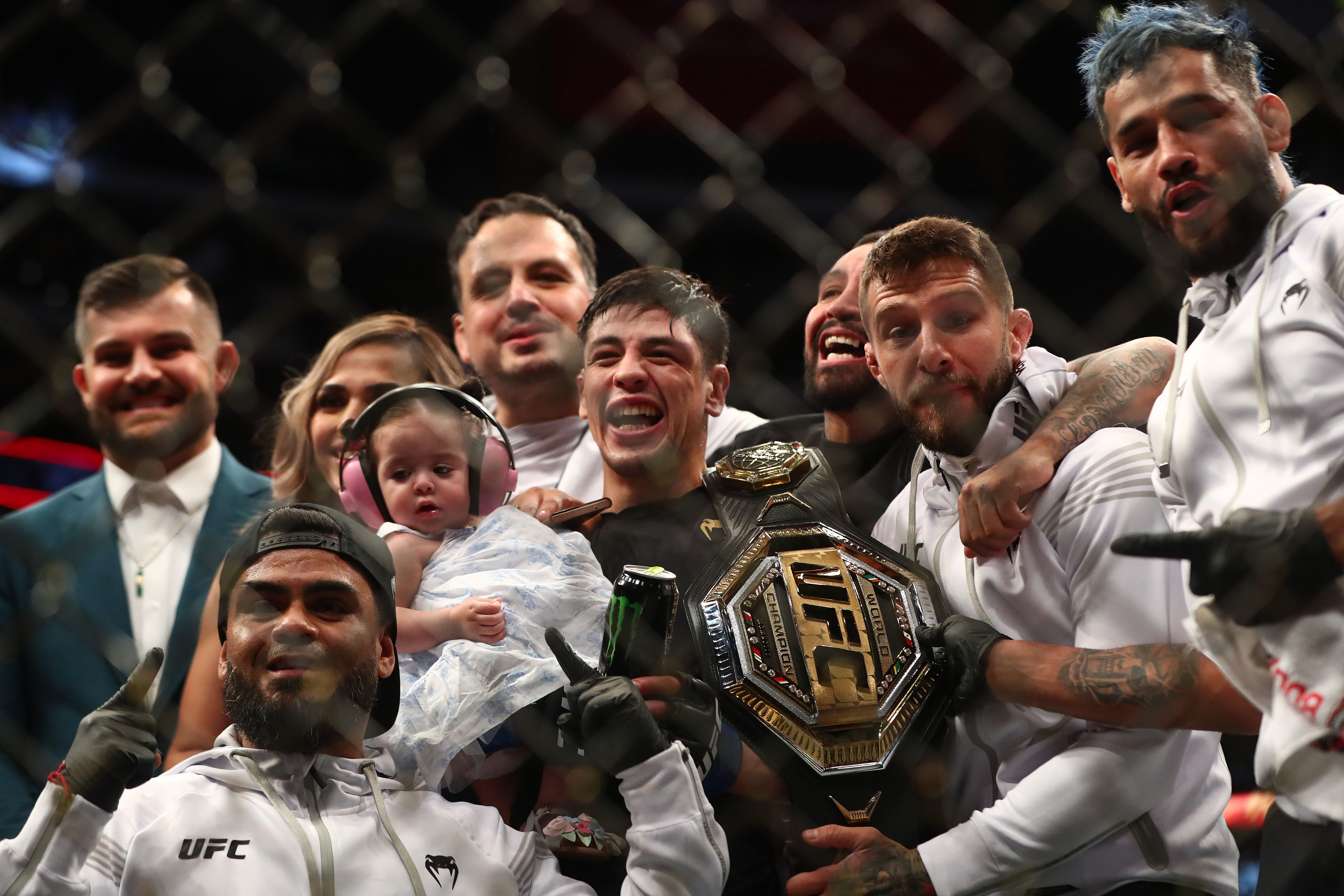 Moreno makes history in becoming first Mexico-born UFC champion