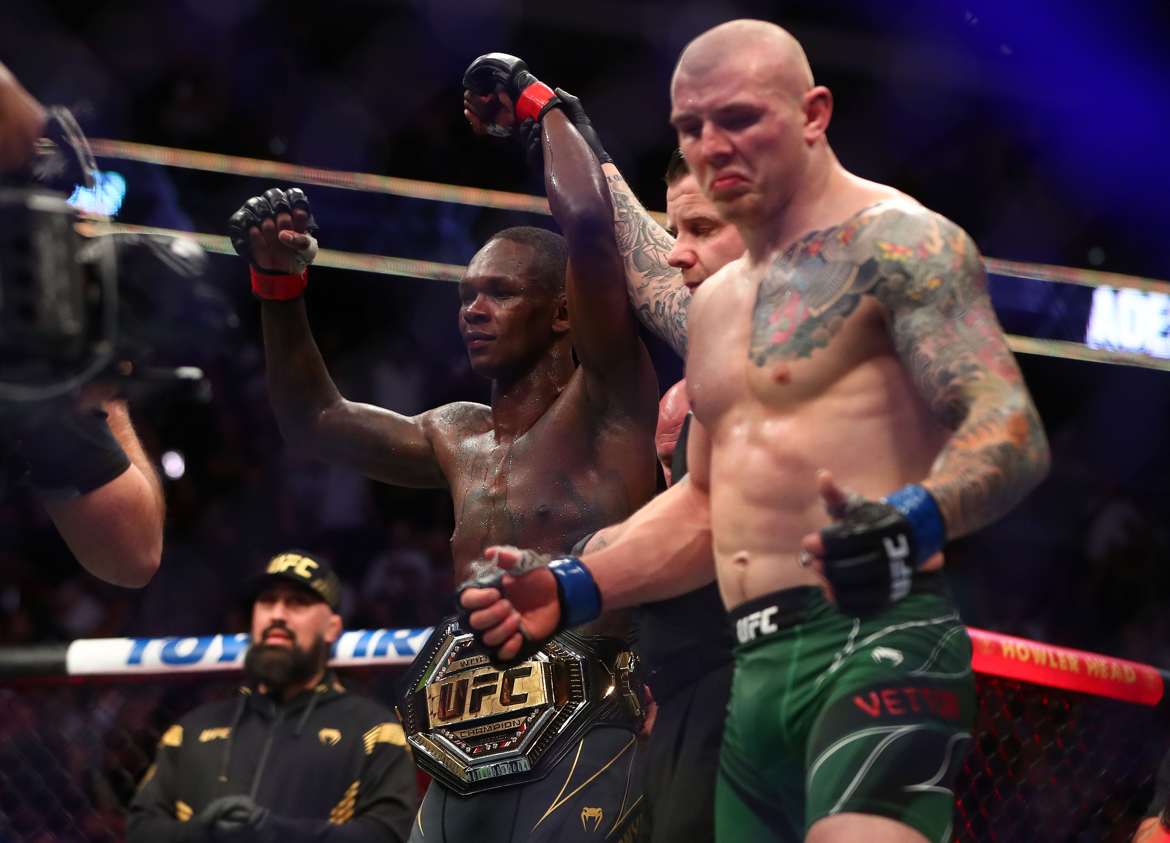 Adesanya wins rematch to retain UFC middleweight title