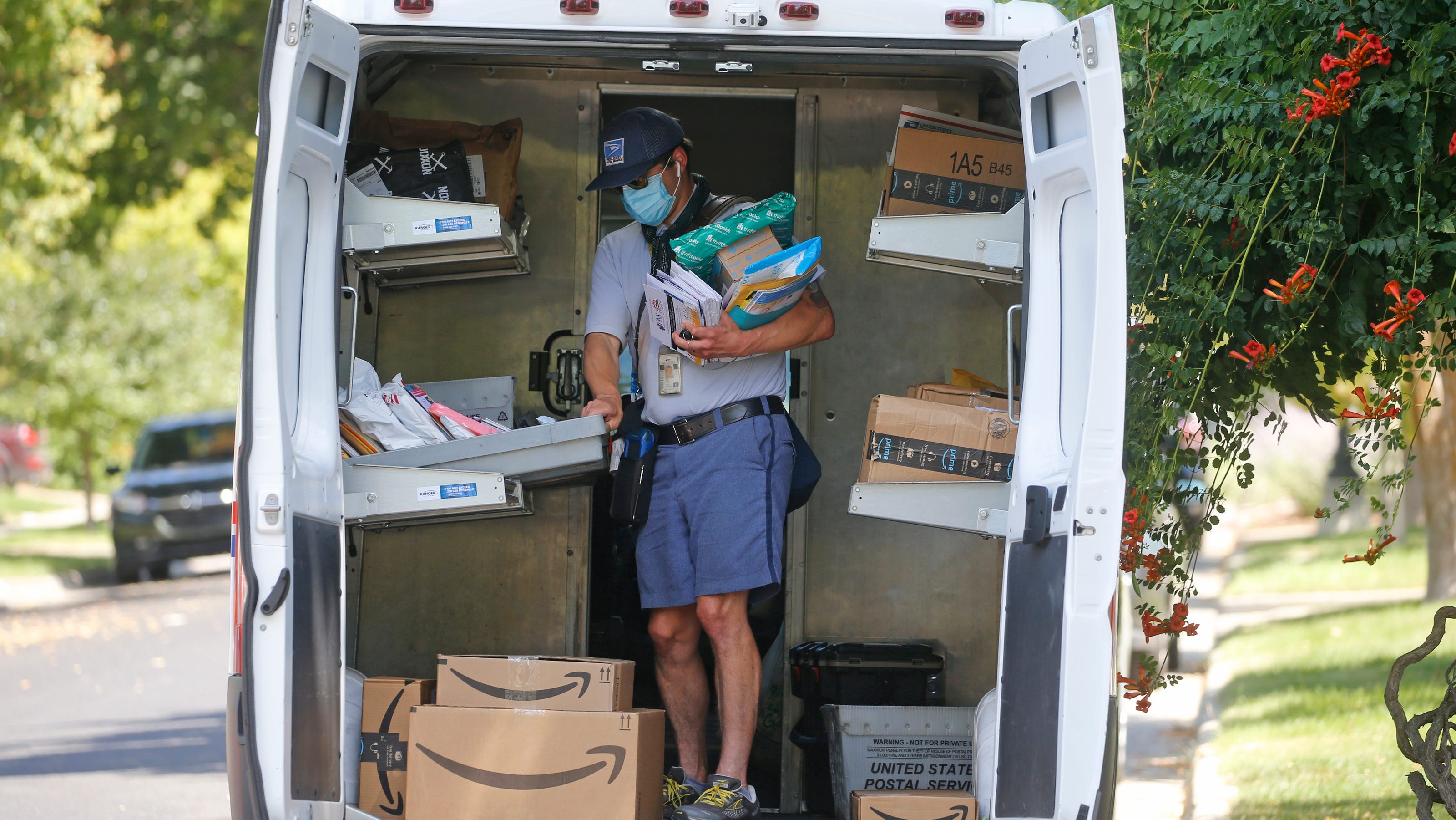 Over 5,800 letter carriers were attacked by dogs in 2020, US Postal Service says - USA TODAY