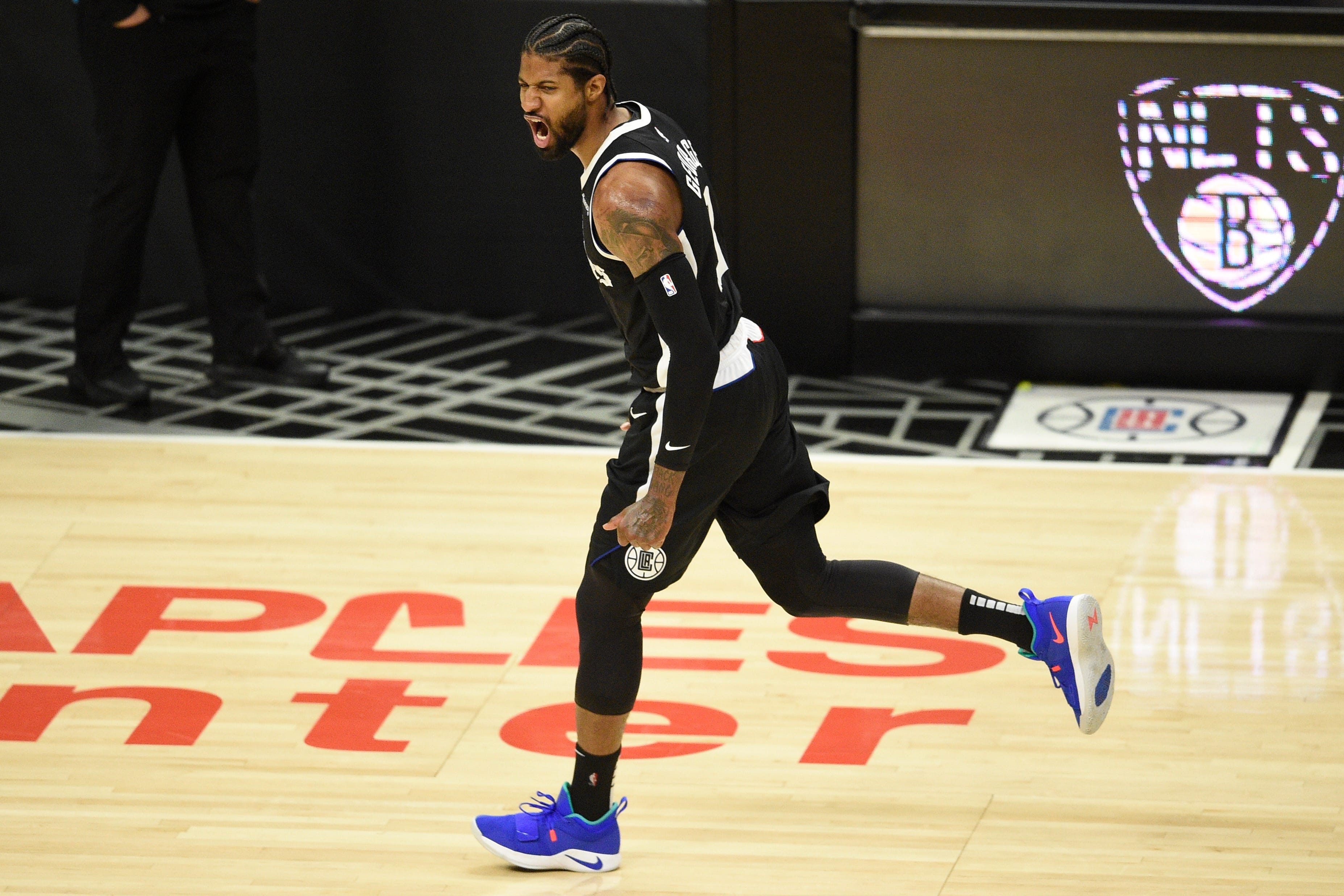 Clippers 132; Jazz 106: Kawhi Leonard and Paul George come up big in must-win Game 3