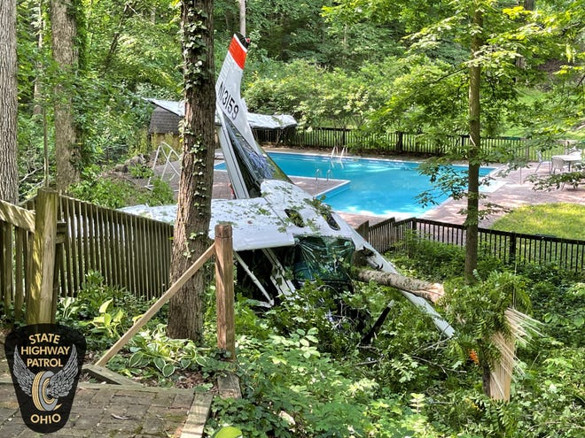 A single-engine Cessna 185 crashed Monday morning in the backyard of a Columbus Far North Side home near Worthington. Cleanup crews began removing the plane from the suburb on Wednesday afternoon.