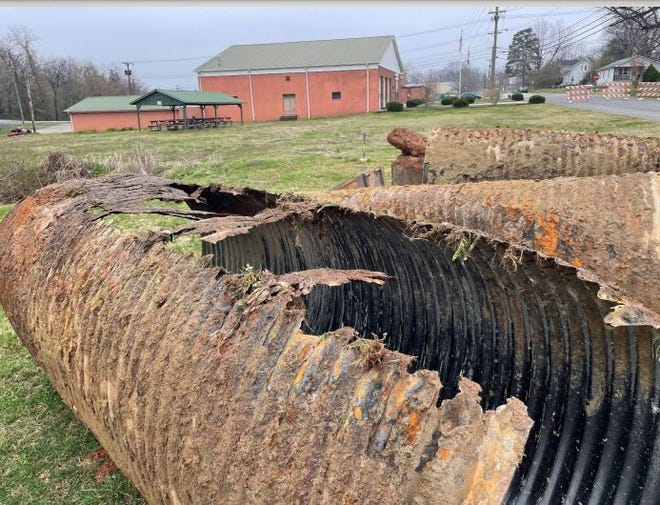 The City of Lexington replaced a leaking and corroded stormwater pipe that was estimated between 50 and 75 years old that caused a sinkhole on Ninth Avenue.