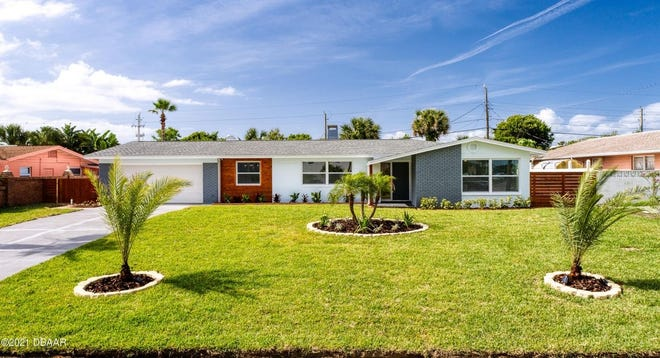 This updated mid-century home in Daytona Beach is sure to impress. Remodeled from floor to roof, this stand-out beauty features an excellent blend of many different textures.