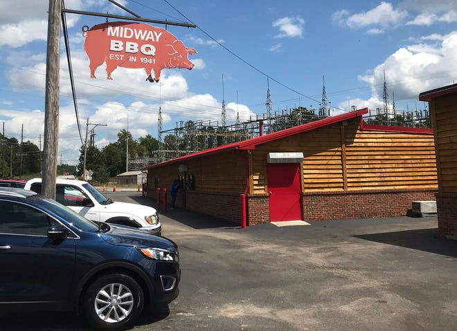 A combination butcher shop/meat market/restaurant, Midway is renowned across the Upstate for chicken stew and beef hash, and the restaurant's pulled pork is fantastic, served with your choice of sauce.