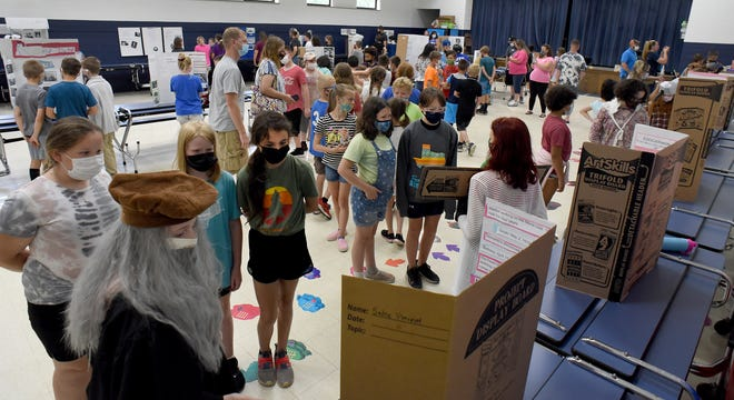 Parents and students visited the Living Museums at Dundee Elementary this past week.