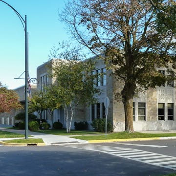 Charlevoix's city council confronts potential conflict of interests.