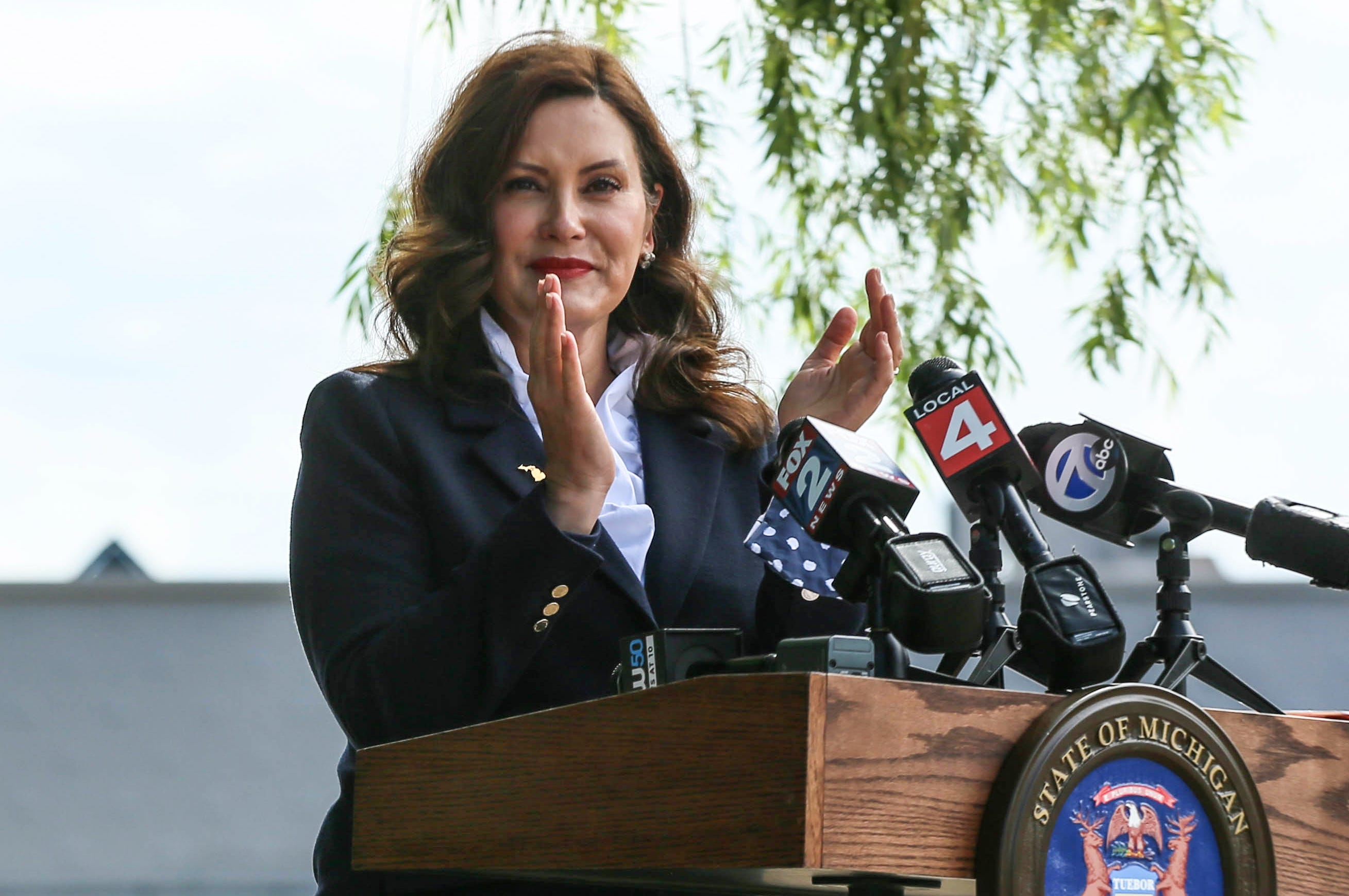 Whitmer reinstates 'prevailing wage' in move that draws GOP opposition: What it means
