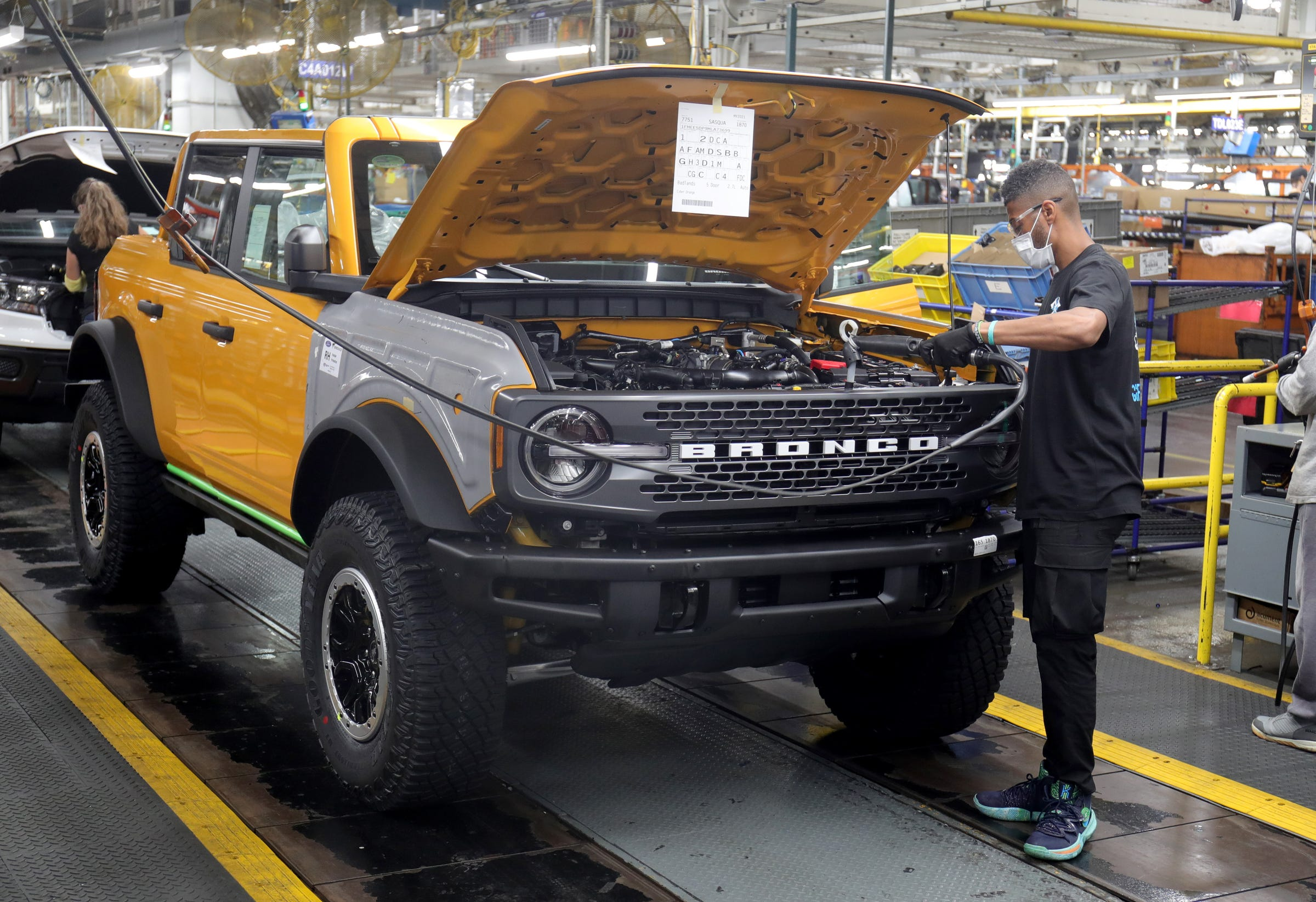 Long-awaited Ford Bronco starts shipping, filling 125,000 orders