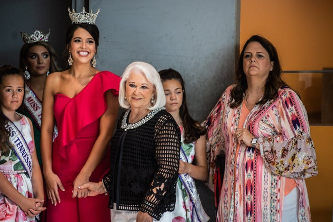 Kerri Arnold, Miss Tennessee Volunteer 2019, before going on stage during the first public appearance of Miss Tennessee Volunteer 2021 contestants at Old Hickory Mall on Sunday, June 13, 2021 in Jackson, Tenn.