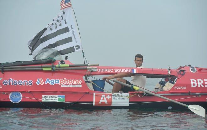"""Guerrero a effectué son voyage inaugural mardi pour commencer son voyage vers la France sur son bateau de mer à environ un mile de Sadate, """"Romains."""" Pour voir plus de photos, rendez-vous sur capecodtimes.com/news/photo-galleries."""