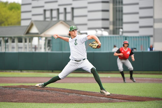 Eastern Michigan's Cameron Wagoner delivers a pitch during the 2021 season.