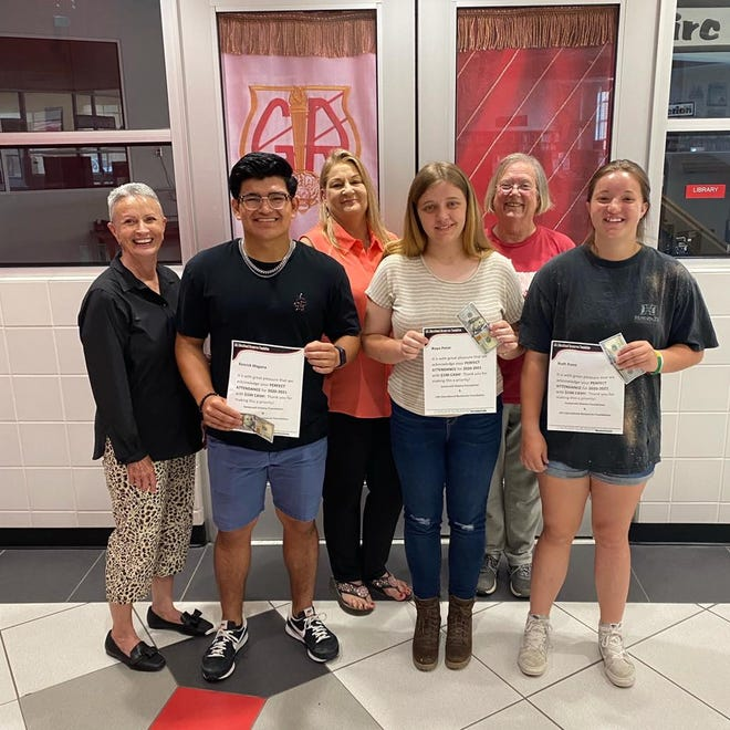 Barnard's Mill & Art Museum, along with the LDL Foundation, awarded perfect attendance to four Glen Rose High School students for the 2020-21 school year. Each of the students received an award along with monetary amount of $100. The students are Zoe Johnson, Kendrick Magana, Raya Point and Ruth Point. Ruth Point also had perfect attendance all four years of high school.