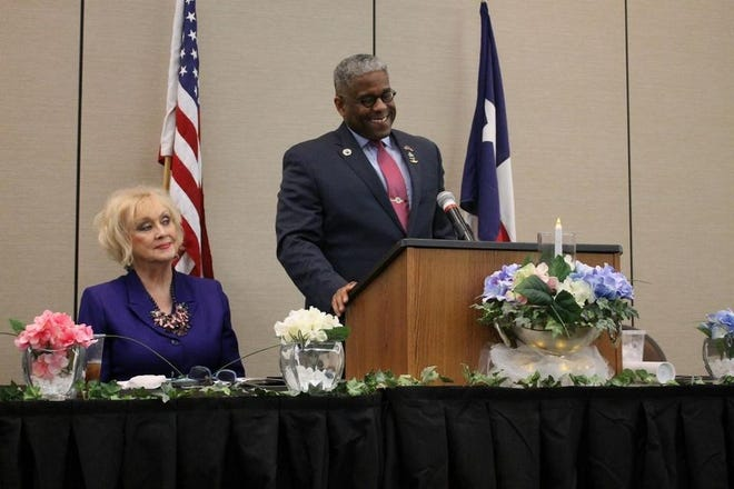 Allen West, right, speaks at the Ellis County Republican Women's Lincoln Day Celebration in February 2017 as ECRW first vice president Patsy Grider Erickson looks on. West will return to the county on Thursday evening for a rally at the Waxahachie Civic Center.
