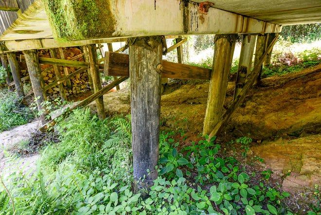 The Mayfield Heights Road bridge over Cherokee Creek near Belton in Anderson County June 2021.