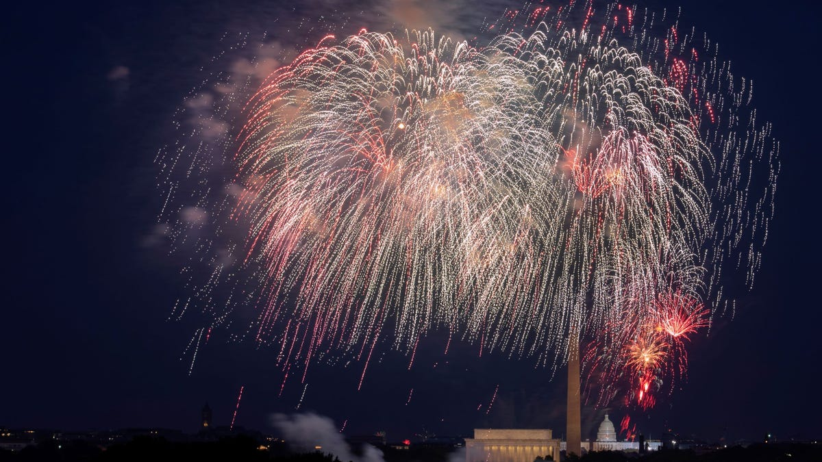 White House to host July 4 'independence from virus' bash 3