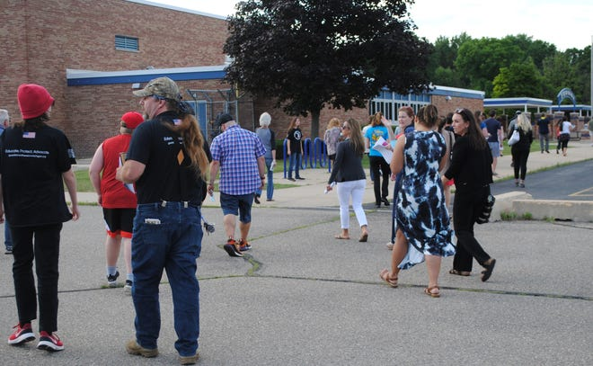 A group of parents and students want Livonia Public Schools to end its mask mandate in the fall.