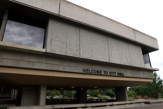 Salem City Hall at the Vern Miller Civic Center.
