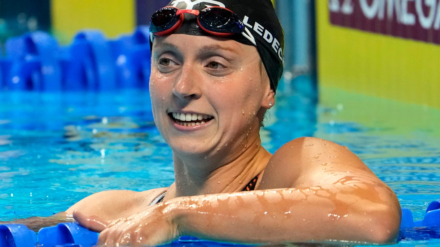 Katie Ledecky makes US Olympic team with win in women's 400-meter freestyle
