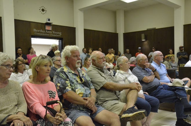Shawnee City Hall was packed for a Ward 2 town hall meeting to discuss potential city ordinance changes at Shawnee Twin Lakes.