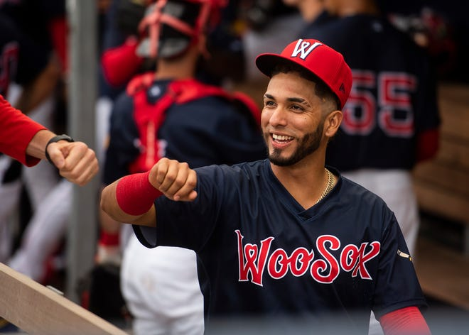 Jonathan Arauz went 3 for 3 with a home run Wednesday night for the WooSox, who snapped their three-game losing streak.