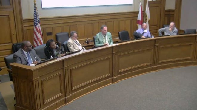 Tuscaloosa city leaders held a Public Safety Roundtable meeting Tuesday night to address the issue of crime in the city after one person was killed and three others were injured in separate shootings over the weekend.
